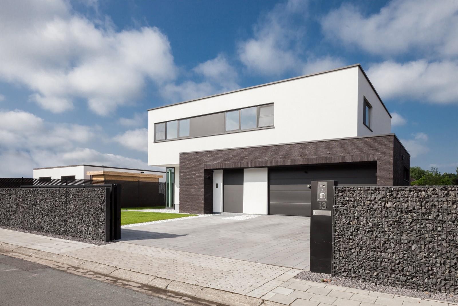 Elbeko realisaties villabouw op maat - Foto gevel moderne villa ...